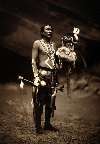 A navajo man in ceremonial dress wellcome v0038481