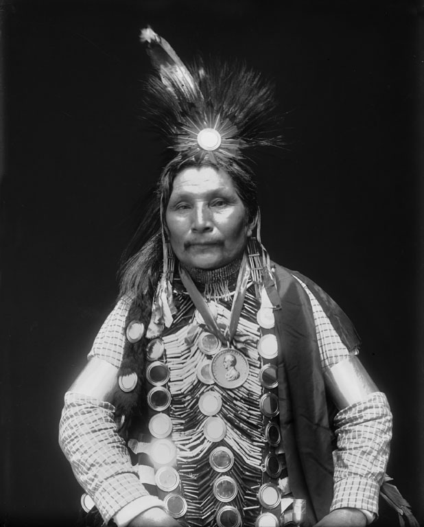 Ah bow e ge shig william potter ojibwe 1911