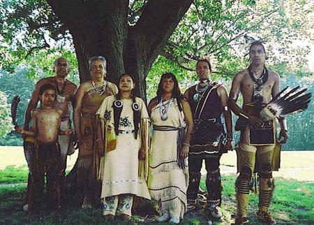 Wampanoagsingersanddancersweb