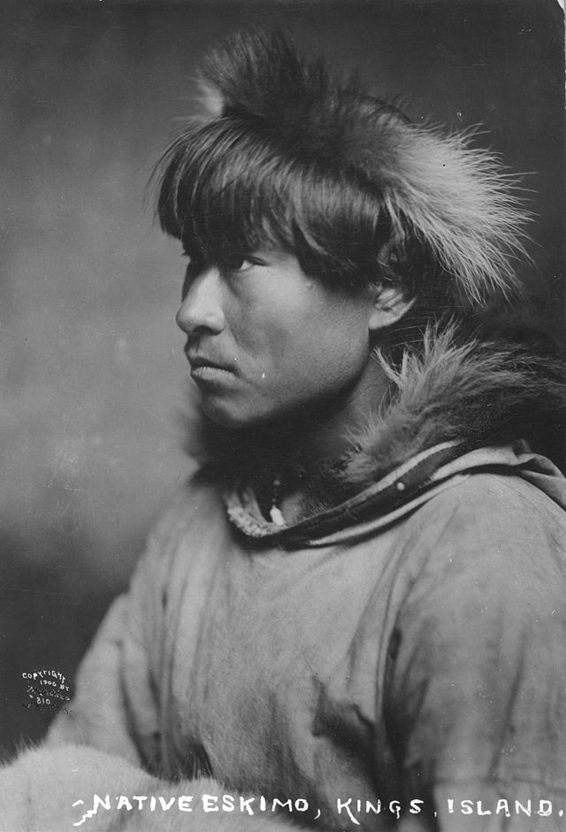 640px-Inuit_man_1906